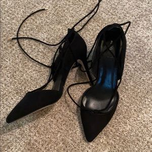 6.5-7 US Aldo Silver Chunky Compensated Shoes Like new Black laces 6.5-7US